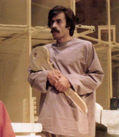 خسرو شکیبایی در نمایش آرامسایشگاه
