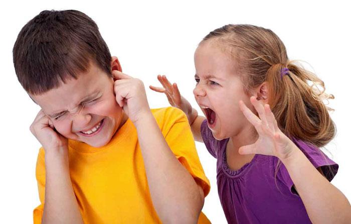 دعوای بچه ها در خانه