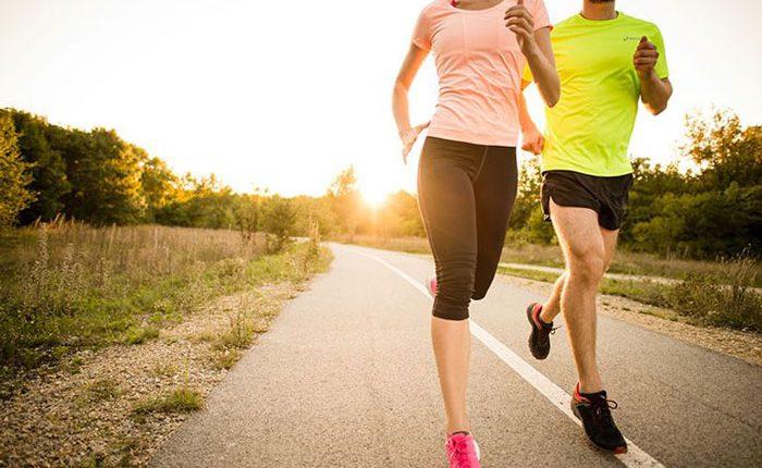 لباس و کفش ورزشی