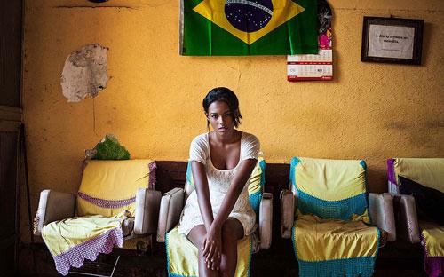 زن زیبای برزیلی