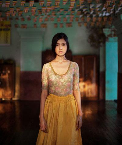 دختر زیبایی از میانمار