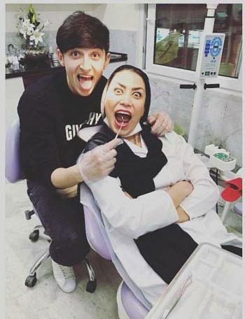 سردار آزمون با خانم دندانپزشک اش