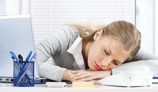 عوارض دیر خوابیدن بر سلامتی بدن