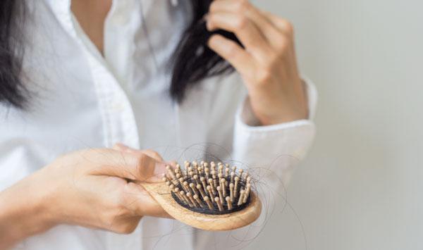 رفع ریزش مو با روغن زالو