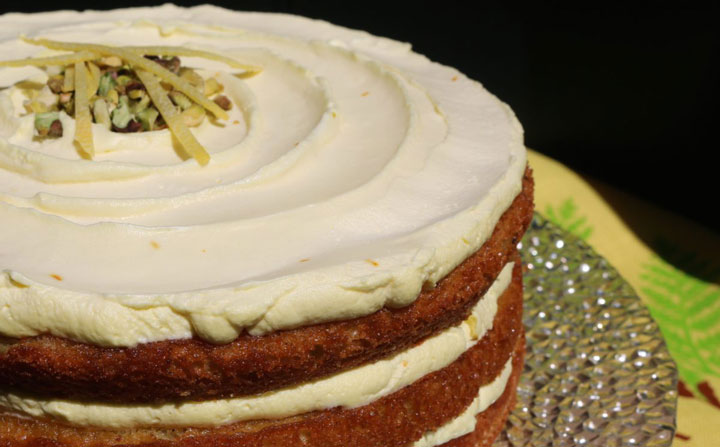 کیک زعفران و خامه