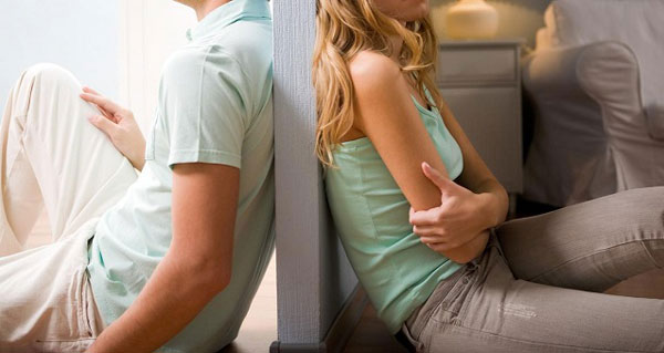 طلاق عاطفی علت خیانت زنان به همسر