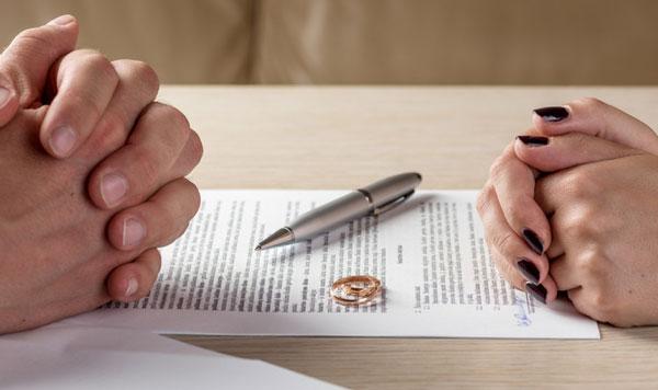 عدم نارضایتی زن و شوهر دلیل طلاق توافقی