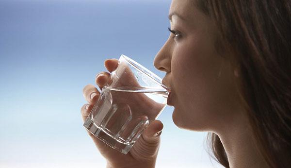 خوردن آب یکی از راههای آزاد شدن تخمک