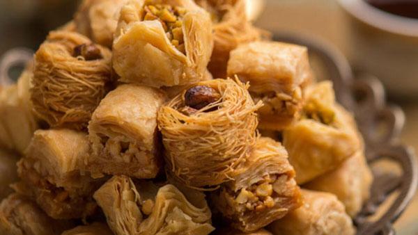 تاتلی کادایف یک دسر برای مهمانی شام