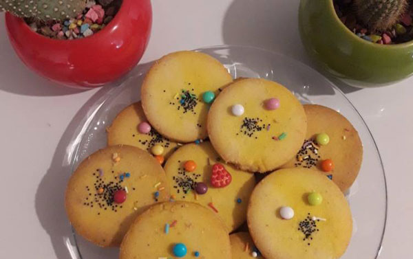شیرینی نان فسایی یک شیرینی ساده خانگی
