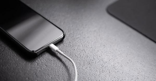 برنامههای در حال اجرا باعث ثابت ماندن شارژ گوشی
