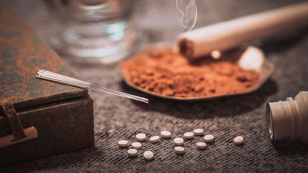 طب سنتی چینی برای سیاهی دور چشم
