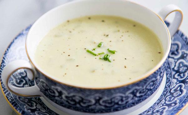 سوپ خامه یک سوپ سبک برای پیش غذا