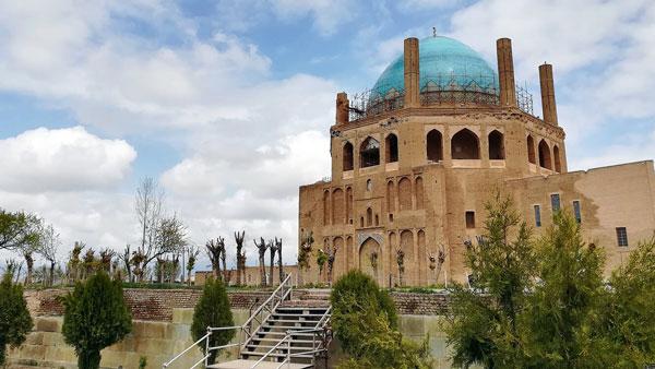 گنبدسلطانیه مشهور به تاج محل ایران