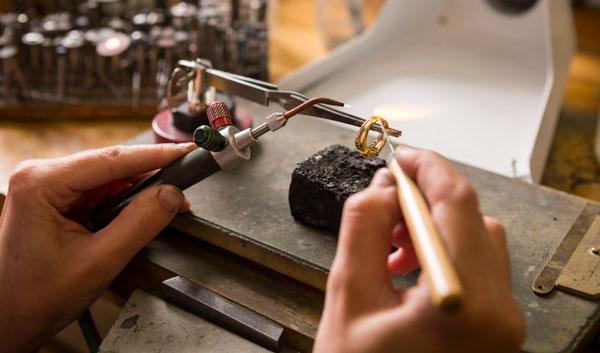 کارخانه تعمیر جواهرات بهترین سرمایه گذاری در سال ۹۹