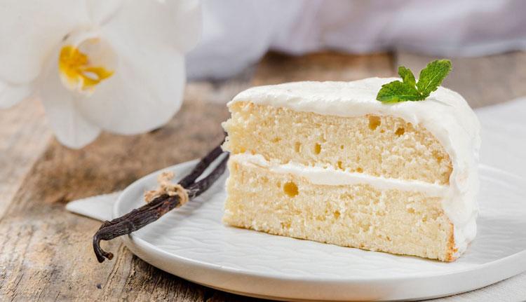 کیک برای میهمانی