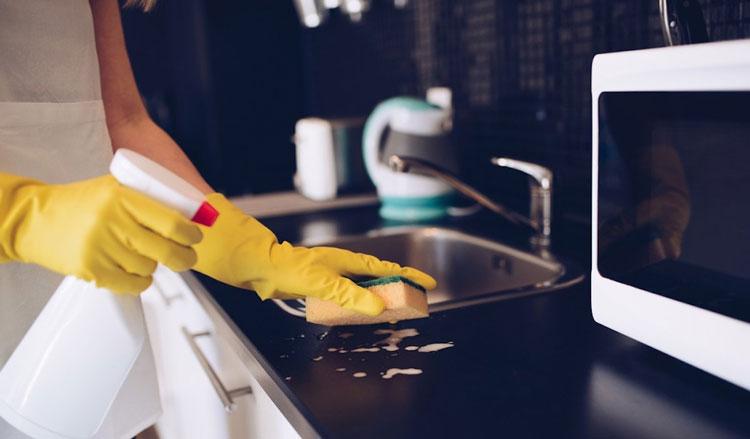 تمیزکاری آشپزخانه