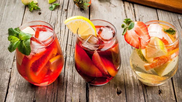نوشیدنی با میوه تابستانی