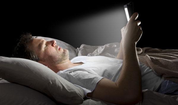 گوشی و و اختلال در خواب شبانه