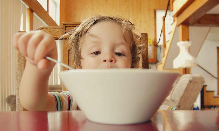 درمان نفخ کودک در طب سنتی