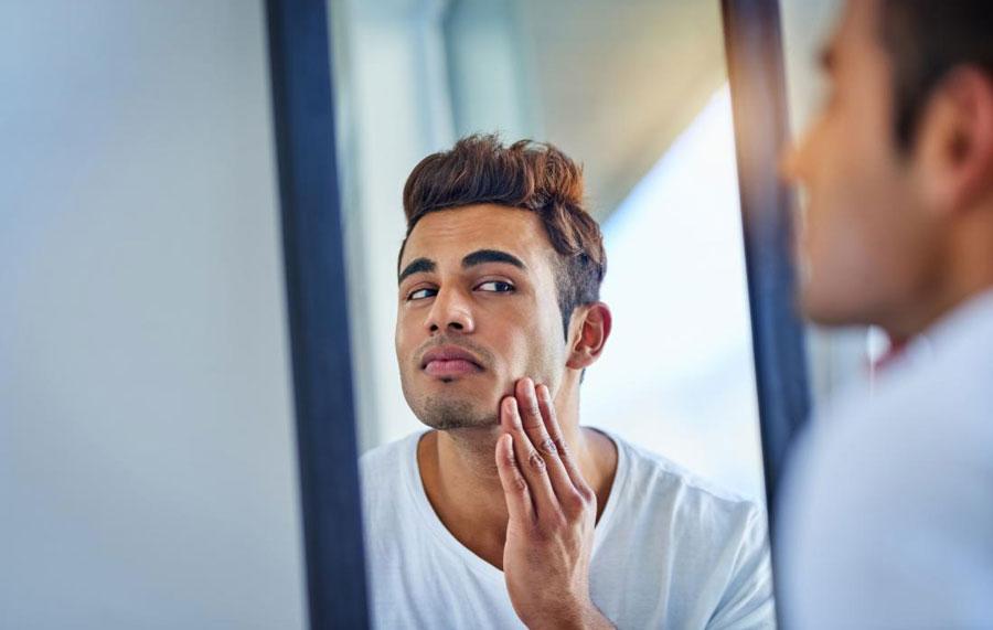 علت جوش صورت در مردان
