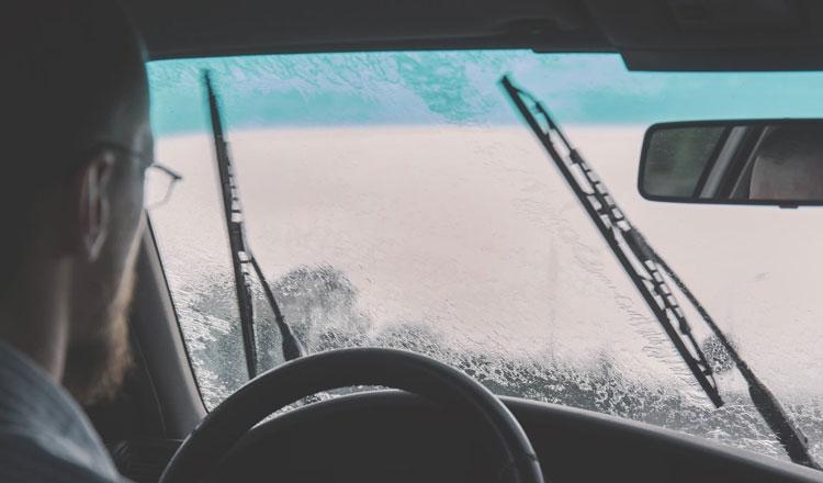 علت خراب شدن برف پاک کن خودرو