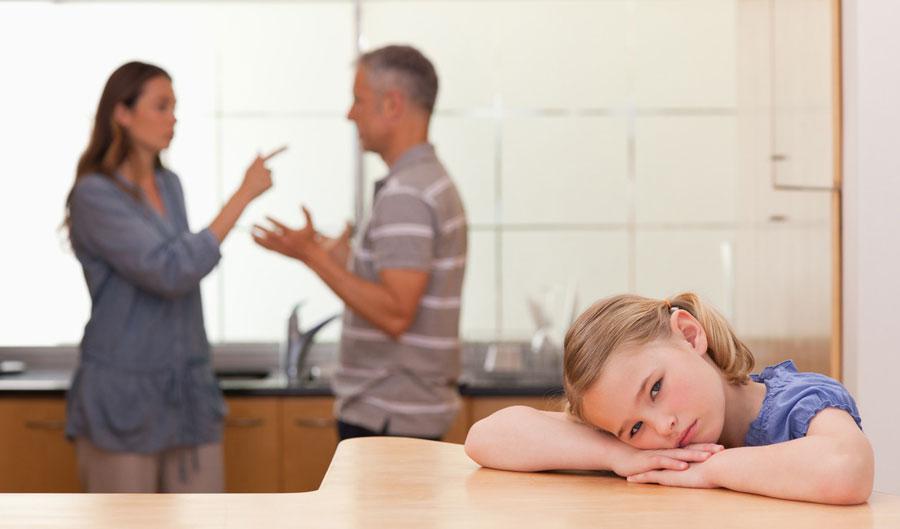 تاثیر دعوای والدین بر کودکان
