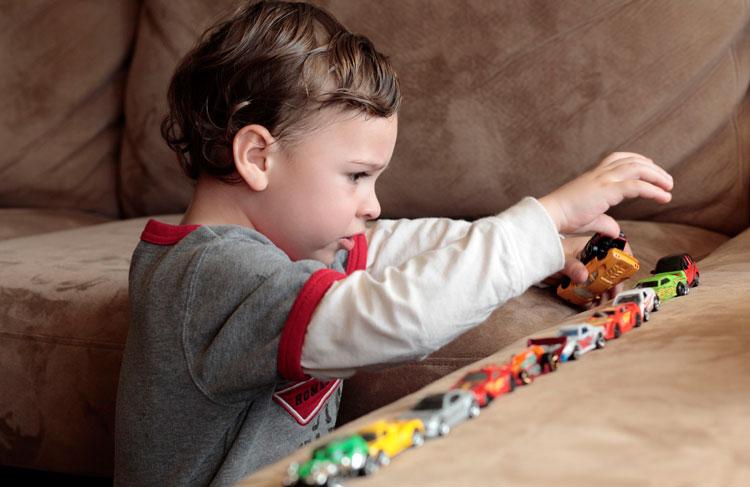 علائم اوتیسم در نوجوانان