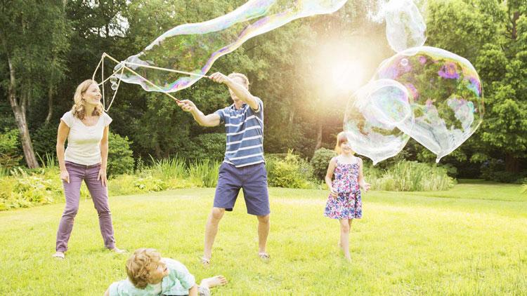 تاثیر بازی والدین با کودکان